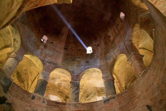 Mantova_Cupola_della_Rotonda_di_San_Lorenzo