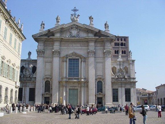 Mantova_La_Cattedrale_01