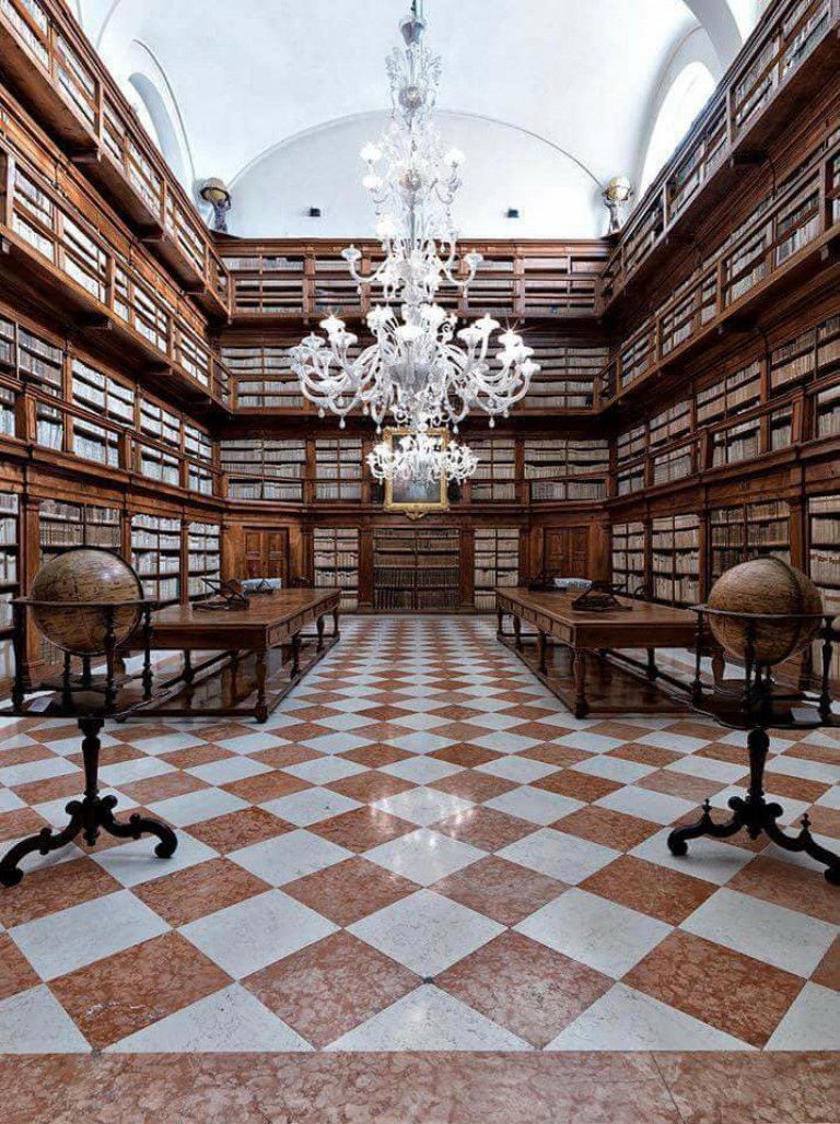 Biblioteca-Teresiana