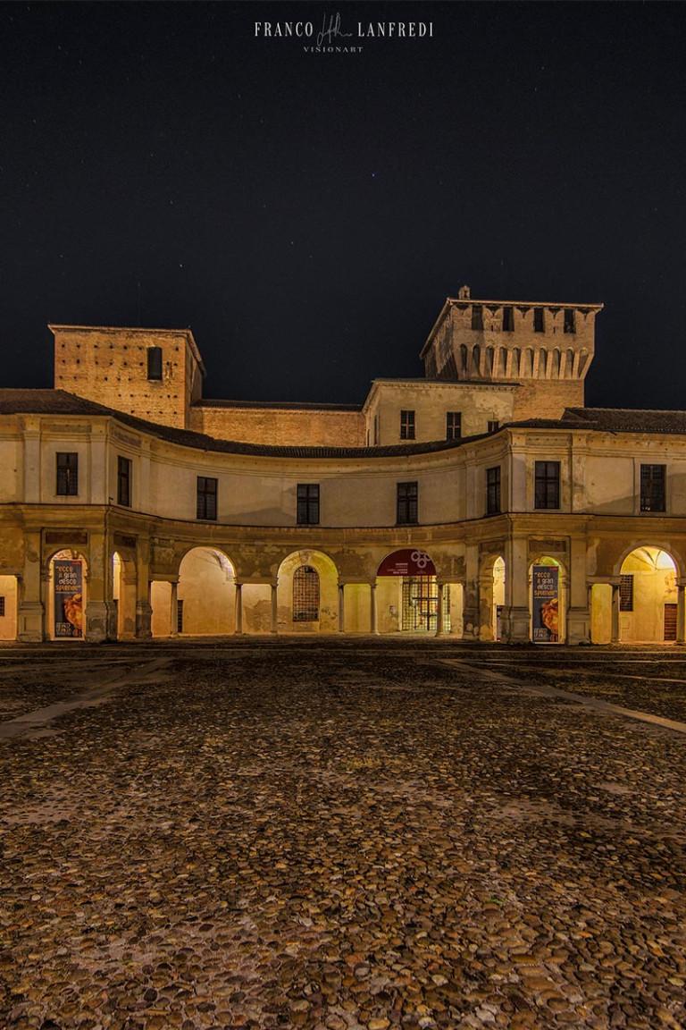 dinotte-piazza-castello