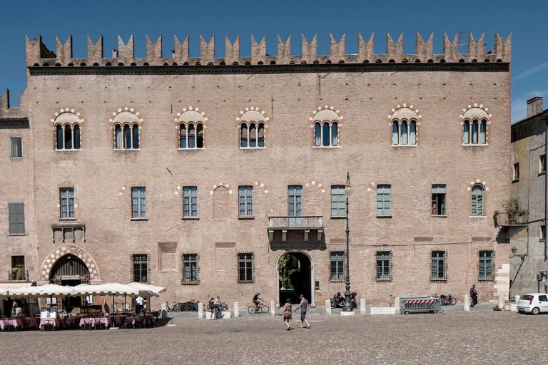 Palazzo-Bonacolsi