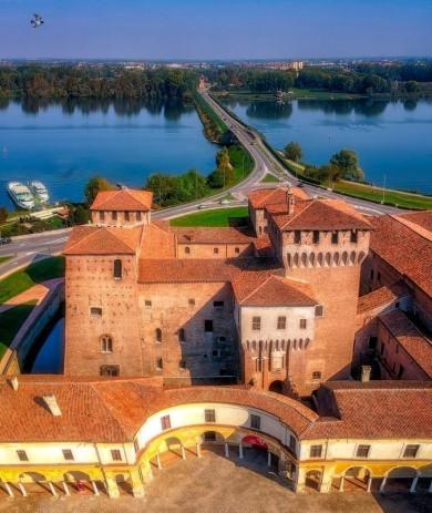 Castello di San Giorgio visto dal drone
